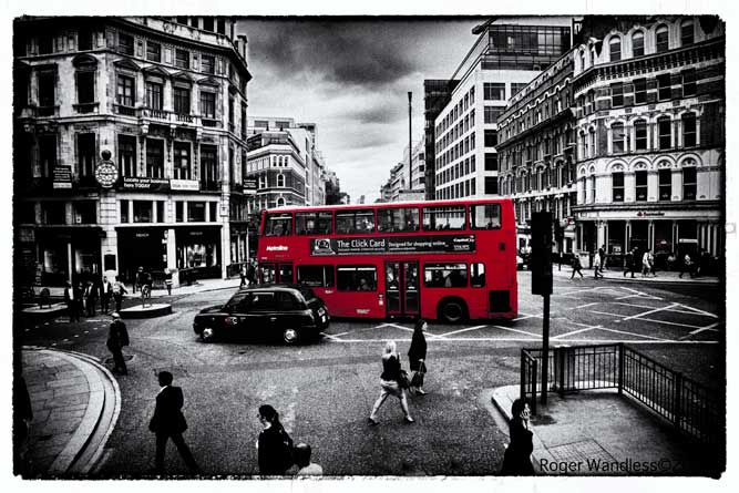 red-bus-strand_bw-copy2